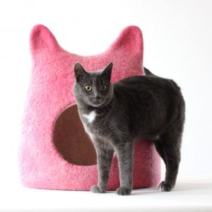 Cat Shaped Cat Bed in Pink. Gift For Lovers. Wool Bed. Valentines Gift Love