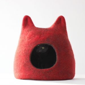 Gift For Pets. Cat Bed From Wool. Pet Holidays. Red Brown Cat Cave